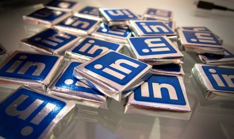 LinkedIn Suggests China Open Its Door for Internet Access
