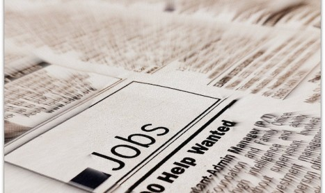 U.S. Jobless Claims Fall Sharply